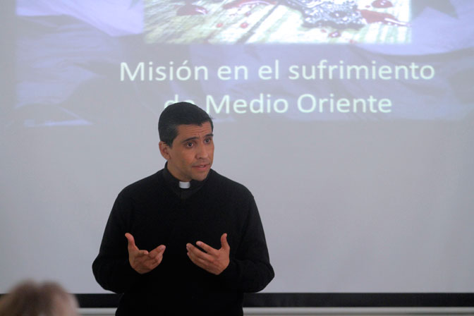 Sacerdote Rodrigo Miranda, misionero chileno en Siria.