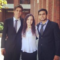 Cristián Rosales, Mariana Cohens y Rodolfo Hidalgo, alumnos de la Escuela de Kinesiología.