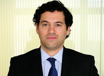 http://www.uandes.cl/noticias/alumni-de-derecho-uandes-gana-ciarb-prize-al-mejor-alumno-de-arbitraje-del-llm-2016-en-londres.html