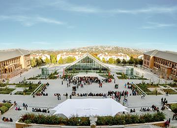 http://www.uandes.cl/noticias/uandes-sube-de-posicion-en-ranking-de-universidades-chilenas-de-la-revista-que-pasa.html