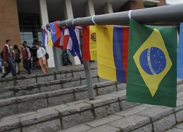 http://www.uandes.cl/noticias/comienzan-nuevos-programas-internacionales.html
