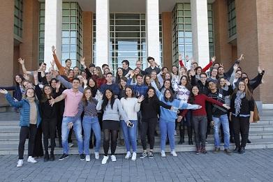 http://www.uandes.cl/noticias/85-alumnos-de-intercambio-seran-parte-de-la-uandes-el-segundo-semestre.html
