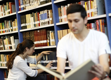 http://www.uandes.cl/noticias/odontologia-dictara-diplomado-en-docencia-universitaria.html