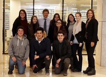 http://www.uandes.cl/noticias/conoce-a-los-embajadores-de-la-beca-alumniuandes.html