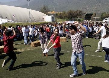 http://www.uandes.cl/noticias/taller-de-cueca.html