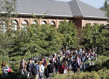 http://www.uandes.cl/la-universidad/historia