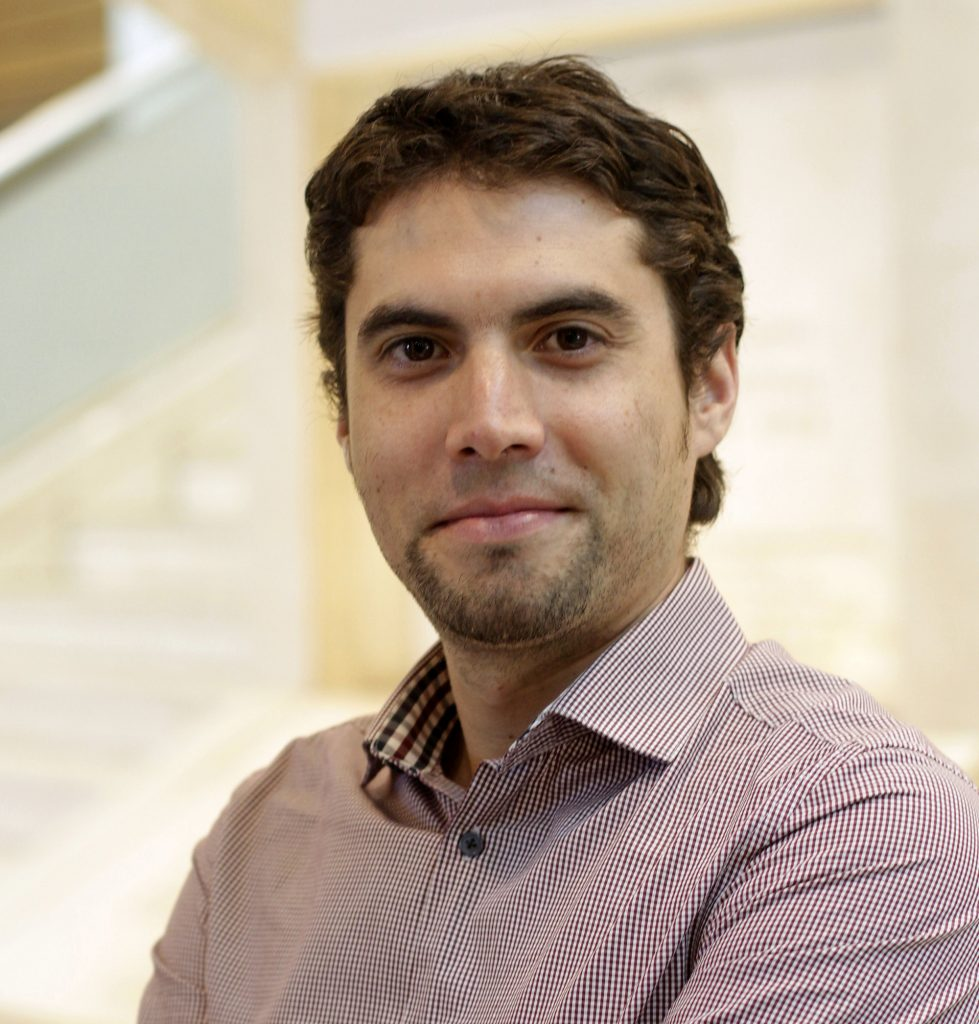 "<a href=""https://www.uandes.cl/wp-content/uploads/2020/01/JOAQUÍN-ZULUETA.pdf"">Joaquín Zuleta</a>"
