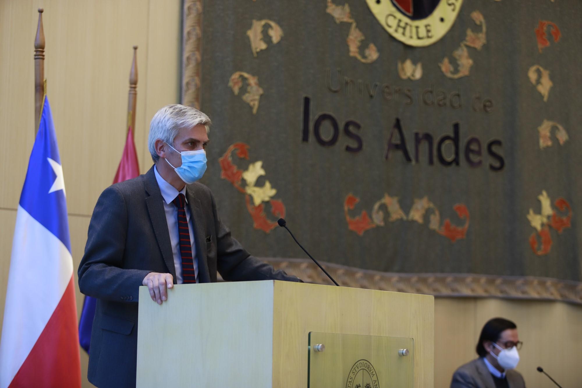 Dr. Sebastián Illanes asume como representante de los profesores titulares en el Consejo Superior de la Universidad de los Andes